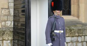 Beefeater Strike Suspended After Historic Royal Palace Offer